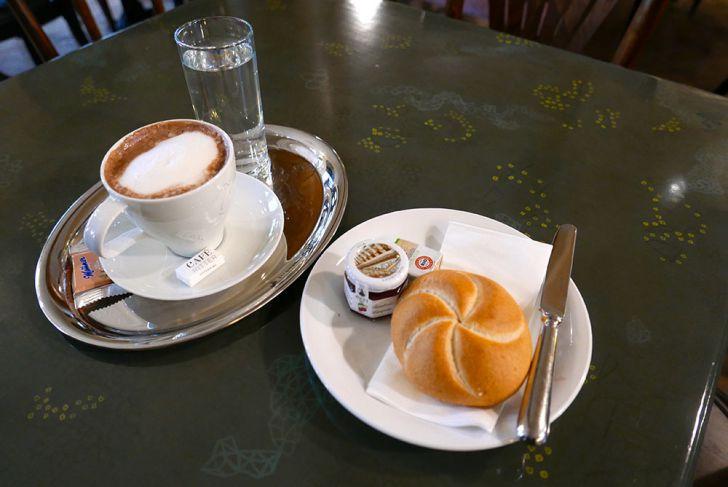 Café Ritter Ottakring Semmel (c) STADTBEKANNT Wetter-Nohl