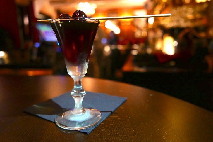 Bar3 Cocktail Kirsche (c) STADTBEKANNT Wetter-Nohl