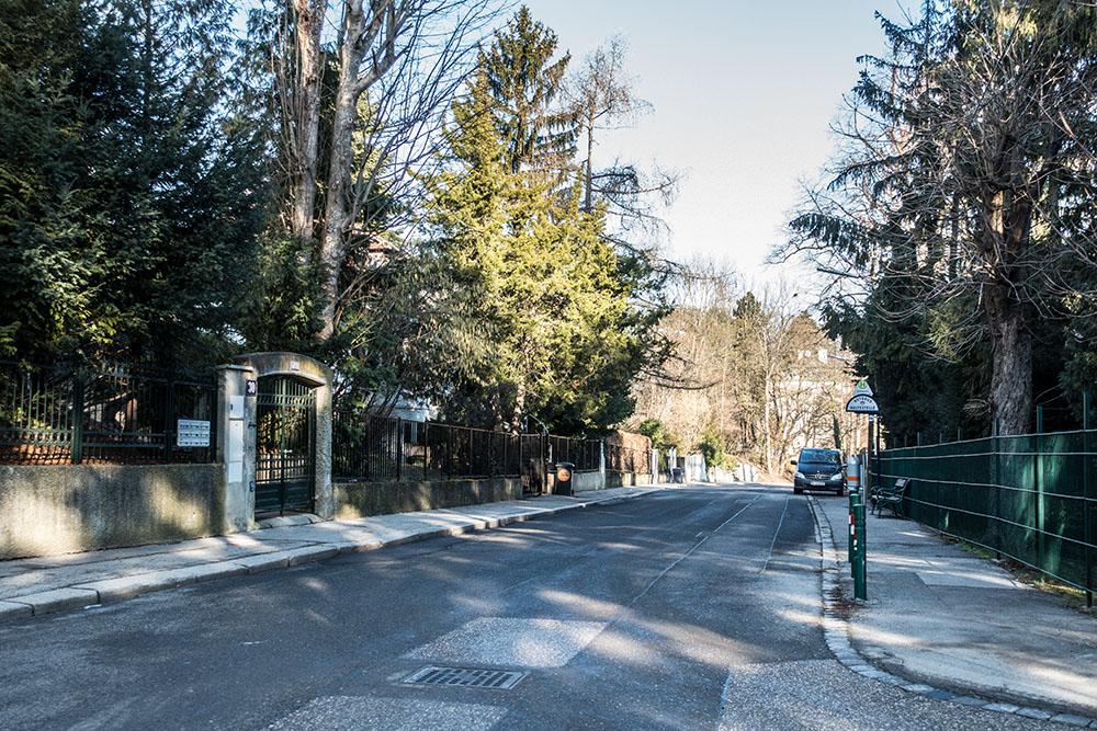 Stadtspaziergang Hietzing - Ghelengasse Haltestelle (c) STADTBEKANNT