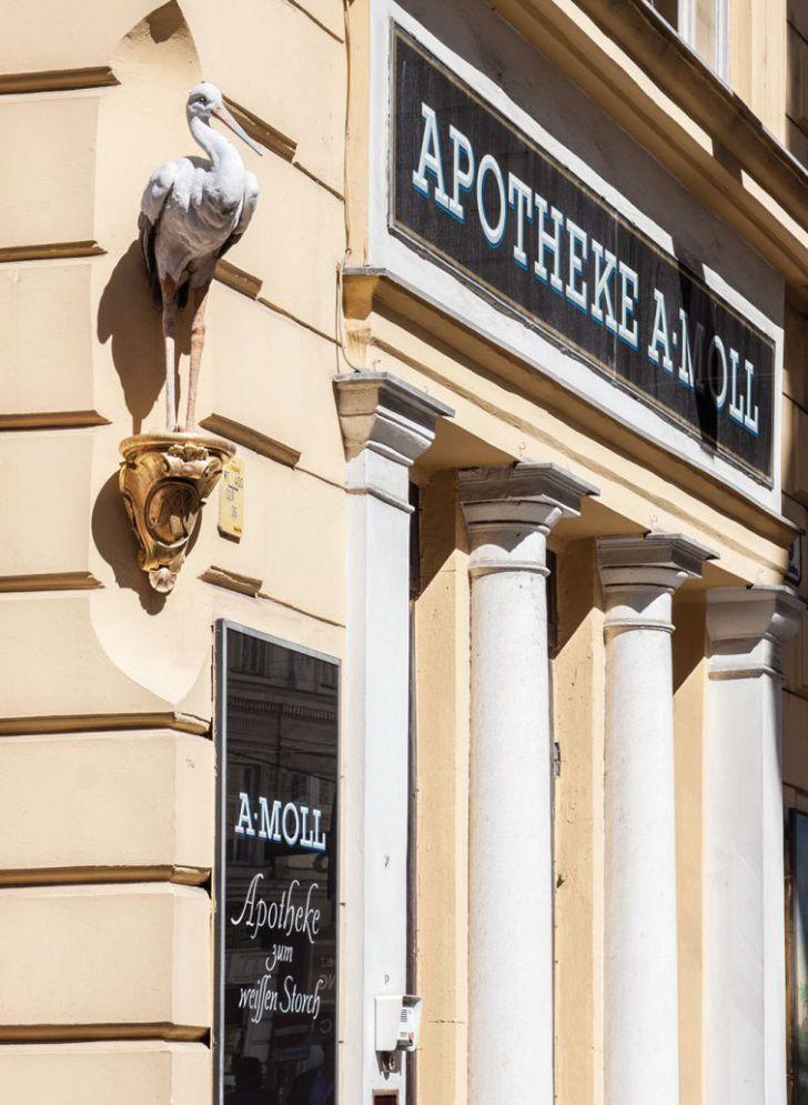 Apotheke - Zum weißen Storch (c) STADTBEKANNT