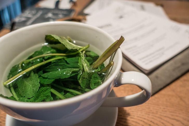 NENI am Naschmarkt Tee mit MInze (c) STADTBEKANNT