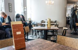 Cafe Dommayer Lokal (c) STADTBEKANNT
