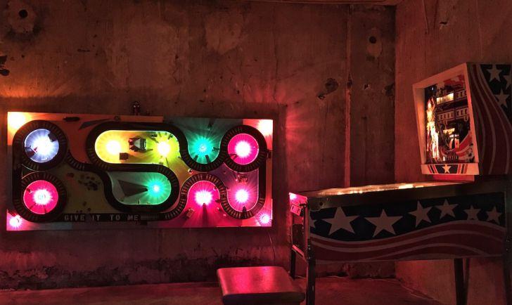 The Velvet Room Neon (c) STADTBEKANNT