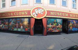 (c) Circus- & Clown Museum