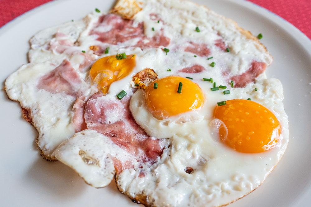 Café Sieben Brunnen Ham & Eggs (c) STADTBEKANNT