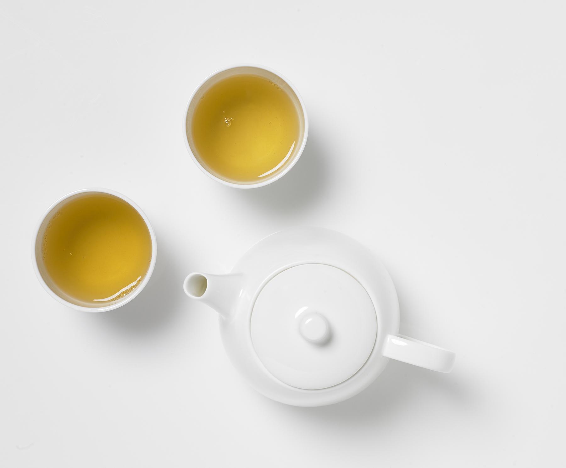 Kanne mit Cups (c) DEMMERS Teehaus