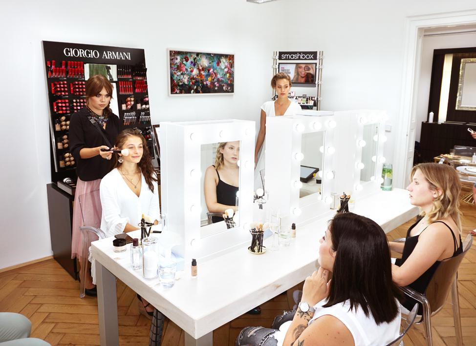 Nägele und Strubell - Make Up Lounge