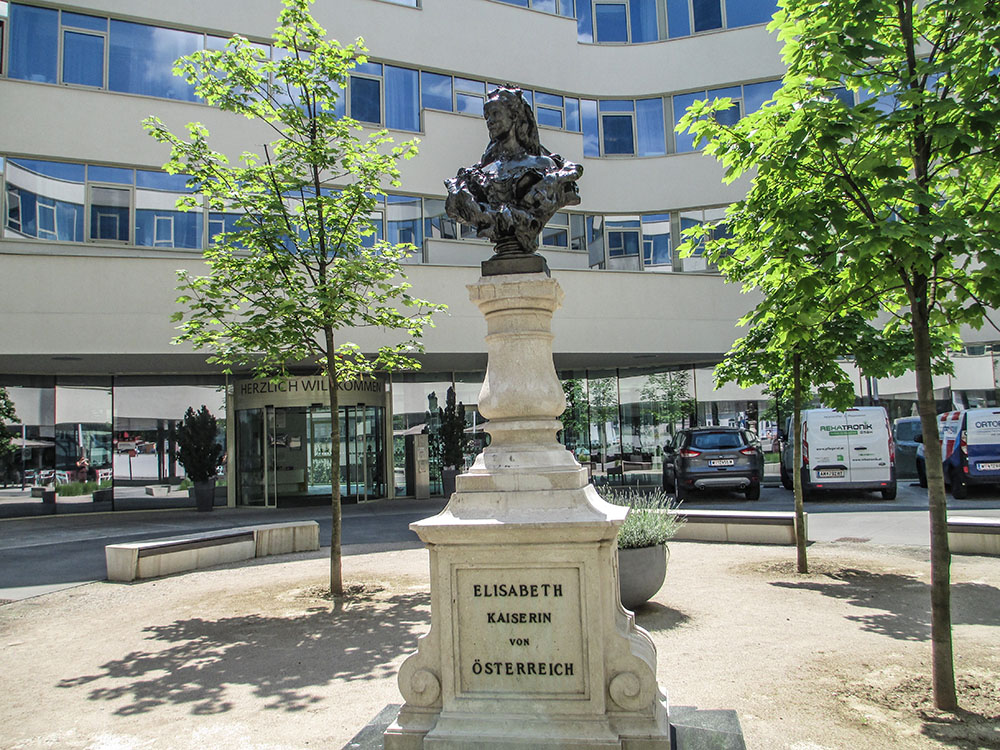 Büste der Kaiserin Elisabeth (c) STADTBEKANNT Preindl